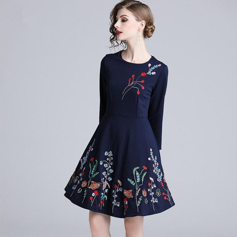 aca923eaea0 Sunnyyeah Élégant Mujer Black Vintage 2019 Femmes Sukienki Jurken Floral  Parti Midi Broderie Robe Dames Robes Nouveau BrBwT