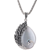 2019 Vintage Peacock Design Pendant Necklace Women Retro Long Link Chain Sweater Crystal Clothing Accessories