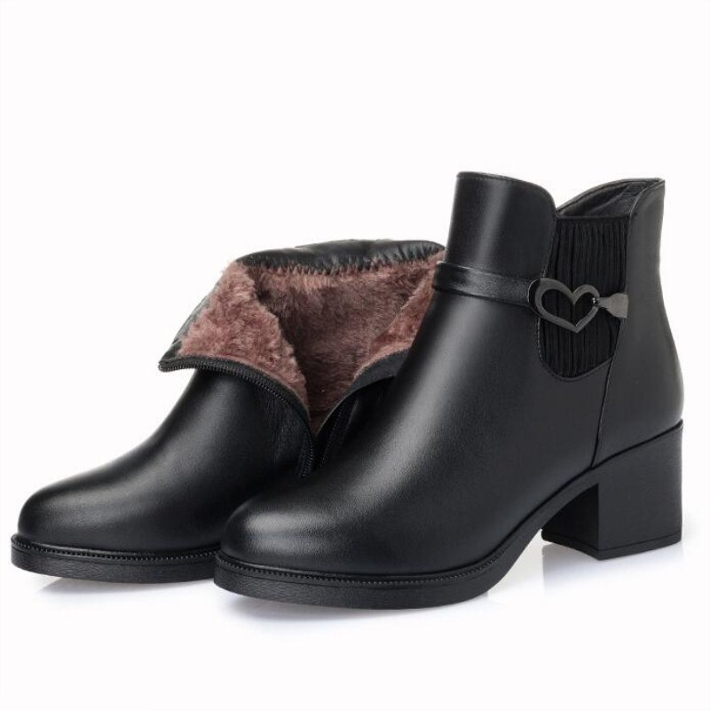 купить XRYXGS Brand Shoes Woman Boots 2018 New Warm Comfort Thick Velvet and Wool Snow Boots Black Full Real Leather Boots Ankle Boots по цене 3329.16 рублей