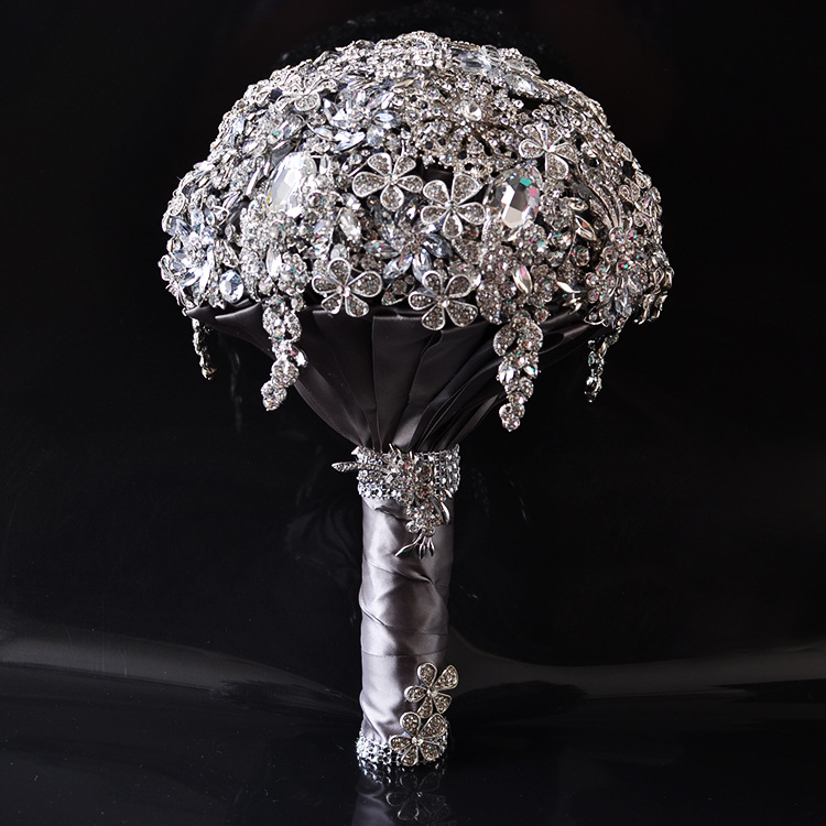 AYiCuthia Luxury Wedding Bouquet Crystal Bridal Bouquet Wedding Brooch Bouquet Silver Jeweled Wedding Bouquet S42