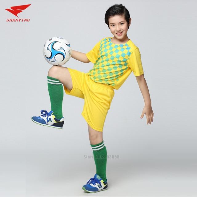 dd6ca3549b827 Niños corriendo corto manga camisetas de fútbol kits de entrenamiento de fútbol  uniformes deportivos de buena