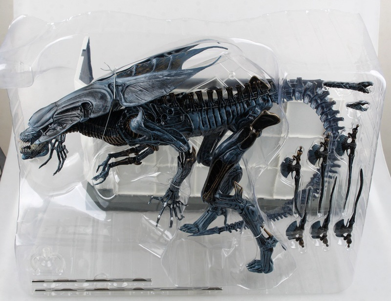 1pc High Quality Alien Predator Movie Action Figure Super Heroes Model Toys Gift 30cm Kids Adults Hobbies Birthday Gift Kits high quality candy grabber kids birthday party favors gift desktop mini dolls grabber machine claw toys free shipping