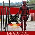 (En Stock) Deadpool Wade Winston Wilson Cosplay Kit de Accesorios de Utilería 2 Espadas Arma y Correas Del Arnés Negro De Madera Prop D0097