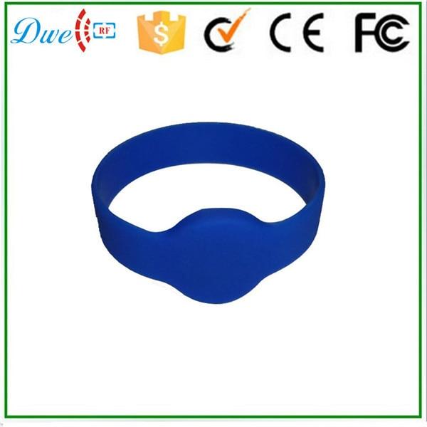 DWE CC RF Free Shipping 10pcs/lot 125khz Access Control tk4100 Silicone Waterproof 74mm Diameter RFID Wristband Bracelet Tag dwe cc rf 100pcs lot free shipping rfid 13 56mhz mf silicone wristband bracelet tag