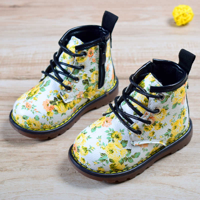 2018 新春/秋子供ラバーブーツ革の花縫製女の子のファッション子供ブーツサイズ 21- 30