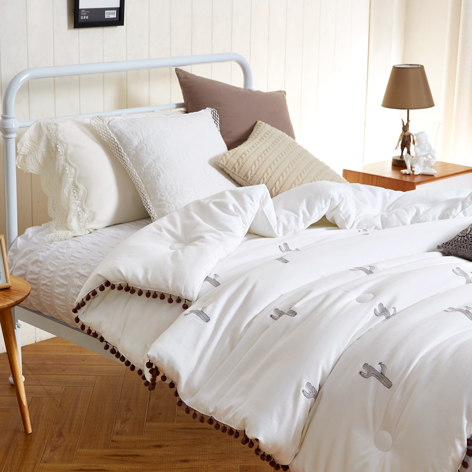 online get cheap white comforter king aliexpresscom  alibaba group - pc  cotton tc pure winter comforter king white warm alternative comforterbedding brown pom
