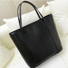The new female bag fashion retro shoulder high – capacity shopping bags simple trend multi – functional leisure handbag