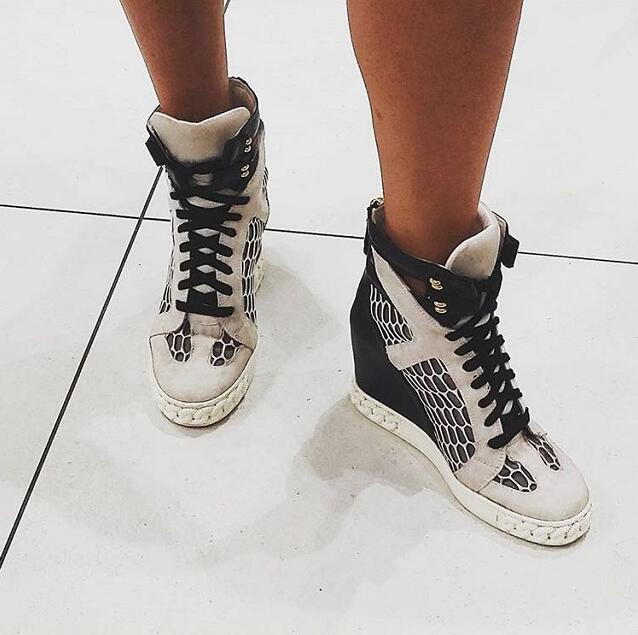 Super Hot Gray Suede Leather Patchwork Women Fashion Wedge Sneakers Mesh Cut Out Ladies Inside Heel Casual Shoes Lace Up Shoes все цены
