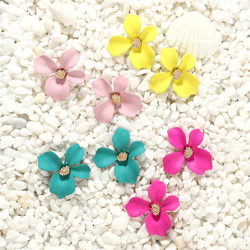 Earrings Women Fresh Temperament 5-color Petal Flower Earrings Alloy Earrings 624#40