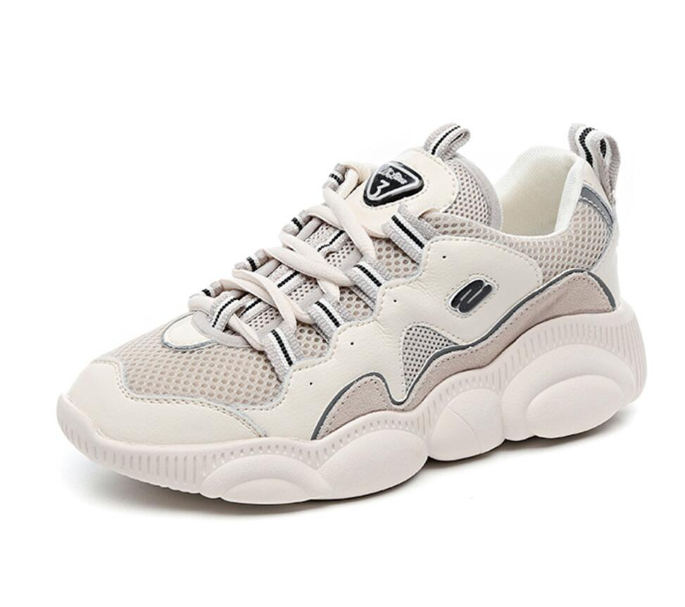 จัดส่งฟรีจริง pic 2019 ออกแบบใหม่ฤดูใบไม้ผลิรองเท้า beige breathable air mesh lace up ผู้หญิงนักเรียนวิ่งรองเท้า-ใน รองเท้าส้นเตี้ยสตรี จาก รองเท้า บน   1