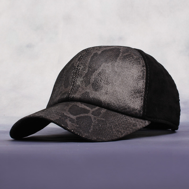 2016 Unisex New Pu Leather Hat Baseball Caps Winter Men And  Women Hats Casual Dome Anti-Cashmere Snakeskin Pattern Caps