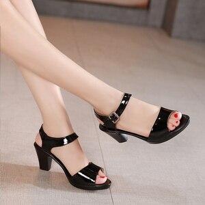 Image 4 - GKTINOO جديد المفتوحة تو صنادل جلد طبيعي النساء أحذية عالية الكعب الصنادل الأنيقة أزياء أحذية غير رسمية النساء الصنادل حجم كبير