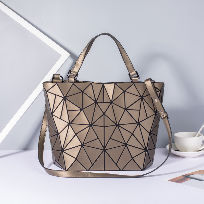 Image 3 - New Women Bags Luminous Handbag Plain Folding Geometric Messenger Bag Female Tote Casual Hologram Women Shoulder Bags Bao Bag-in Shoulder Bags from Luggage & Bags