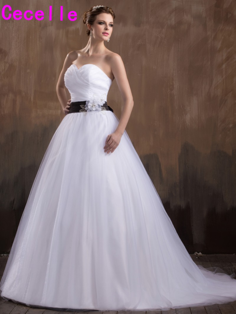 Черный и белый простой Свадебные платья А Милая плиссированной органзы 2017 черным поясом Тюлевая юбка халат де mariée индивидуальный заказ