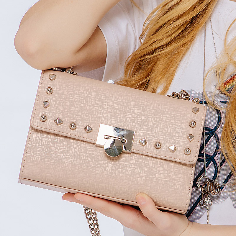 KZNI Genuine Leather Handbag Women Rivet Crossbody Bag with Chain Designer Handbags High Quality Sac a Main Femme Pochette 9069 kzni genuine leather cowhide clutch cross shoulder bags high quality rivet crossbody bag sac a main femme bolsos mujer 9062 9063