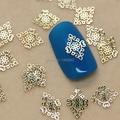 K78 200 unids/lote Oro Rhombus Flor Joyería Del Arte Del Clavo de Metal Decoración de Uñas Tiny Slice Metal Stud Accesorios
