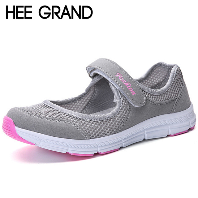 d40232cf3 HEE grande Verão Respirável Não-deslizamento sapatos Para Idosos Mãe Plana  Vigorosa Malha oco Sapatos