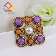 Vintage Brooch Hot Sale Retro Fashion Gold Alloy  Colorful Resin Flower Shape Womens Exquisite For Ladies Dress