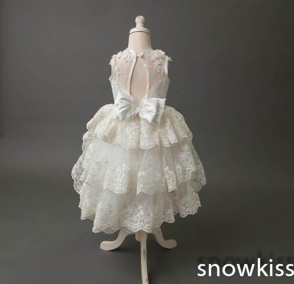 5cbcc64c8ad9a Blanc ivoire sheer dentelle dos nu communion fleur fille robes pour le  mariage belle mi-mollet gradins de bal robes de bal avec arc