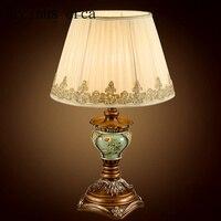 Stile Europeo Retro Intaglio Lampada da Tavolo Camera da Letto Comodino Americano Campagna Giardino di Arte Decorativa in Resina Lampada da Tavolo Lampade da tavolo    -