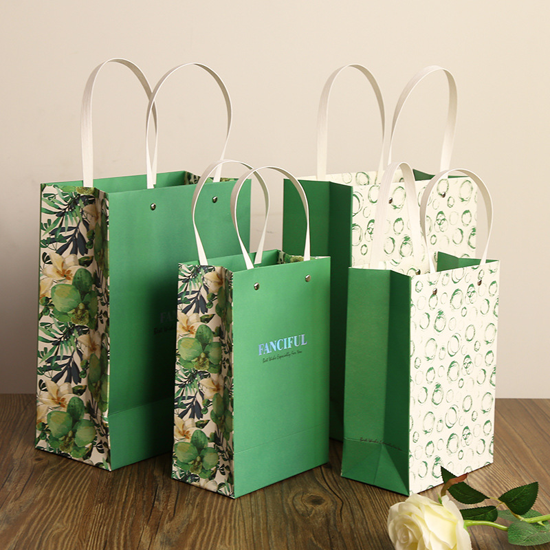 Wedding Paper Gift Bags: 5pcs Wedding Favors Gift Bags Green Theme Wedding Candy