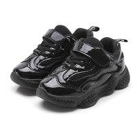 Chłopcy dziewczyny wysokie góry Sneakers wygodne do biegania buty sportowe na świeżym powietrzu dla dzieci PU skóra dzieci tenis ziemny czerwony czarny Zapatalias w Trampki od Matka i dzieci na