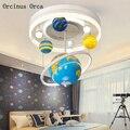 Креативная Вращающаяся круглая люстра для мальчиков  спальни  детской комнаты  современная простая светодиодная люстра с планетой  бесплат...