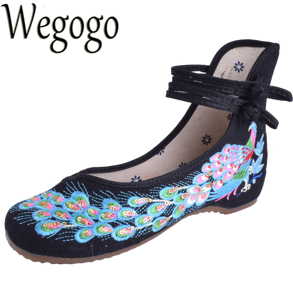 Wegogo Woman Flat Shoes Sequined Peacock embroidered Shoes Chinese embroidery Casual Cloth Dancing Shoes zapatillas lentejuelas vintage embroidery women flats chinese floral canvas embroidered shoes national old beijing cloth single dance soft flats