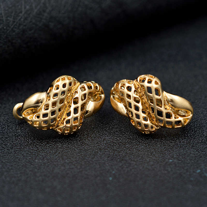 Sunny Jewelry Fashion Jewelry 2019 Clip Earrings For Women Exquisite Jewelry Alloy Animal Snake Twisted Hollow Out For Party