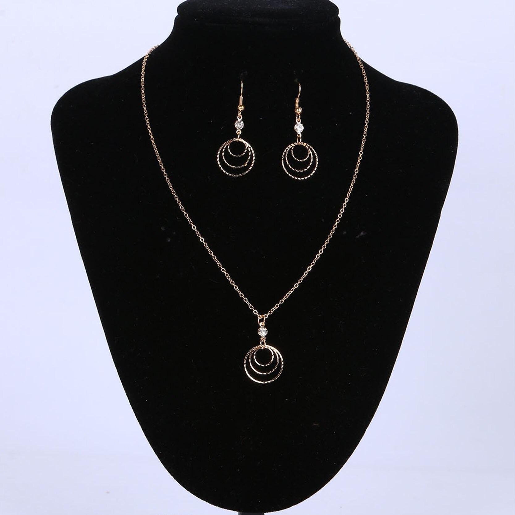 Anting anting dan Kalung Perhiasan Set Warna Emas dengan multi layer Berbentuk Earring dan Kalung Set untuk Wanita Pernikahan