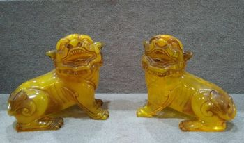 Chinese Rare Amber Carved Animal Blessing Dogs Lions  Drive Out Evil Spirits Bring Good Luck A Pair Of Statues