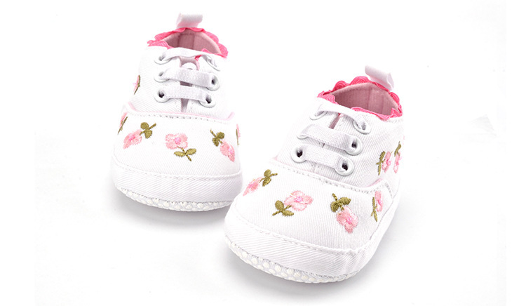 Wind  Canvas  Embroidered  White  Baby Shoes  Non-slip Soft Bottom  Floral  Toddler Shoes First Walkers
