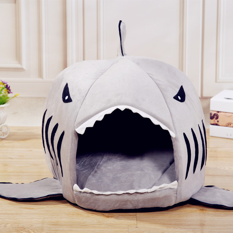 Cute Pet Products Warm Dog Beds Soft Dogs House Pet Sleeping Bag Shark Shape Small Dog Kennel Cat Bed Cat House Cama Perro Pd093