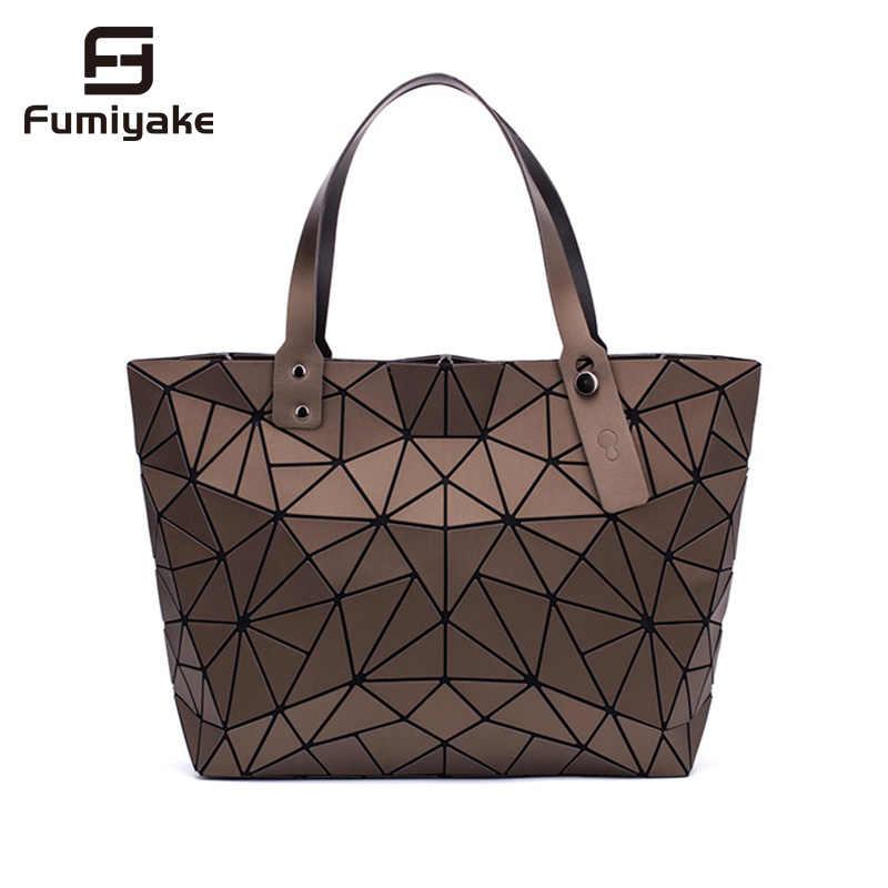 2019 neue Mode Leucht sac Frauen Tasche Diamant Tote Geometrische Stepp Schulter Taschen Laser Einfachen Klapp Handtaschen bolso
