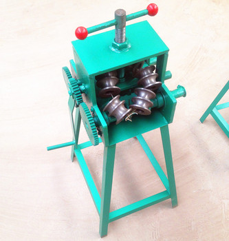 Manual multi-function pipe bending machine / elbow tool / pipe bender hand bending machine 180 degree multi use plastic combined four slot pipe bender tube bender household tools bending machinery manual elbow tool