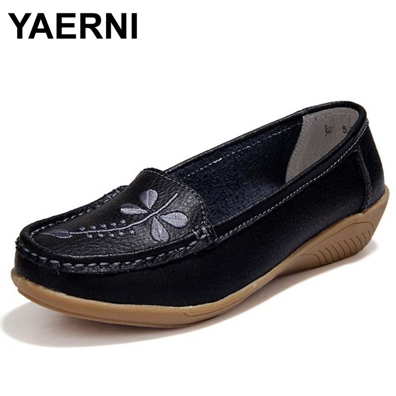 YAERNI 2017 Women Flats Genuine Leather Mother Shoes Moccasins Women's Soft Leisure Female Driving Shoe Flat #WD561 new women s flats shoes 2015 brand genuine leather flat shoes woman moccasins female causal driving shoes for women bsn 158
