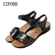 Zzpohe 2017 Летняя мода мать удобная обувь с сандалии на плоской подошве женские большие размеры Повседневные босоножки Мягкие среднего возраста сандалии