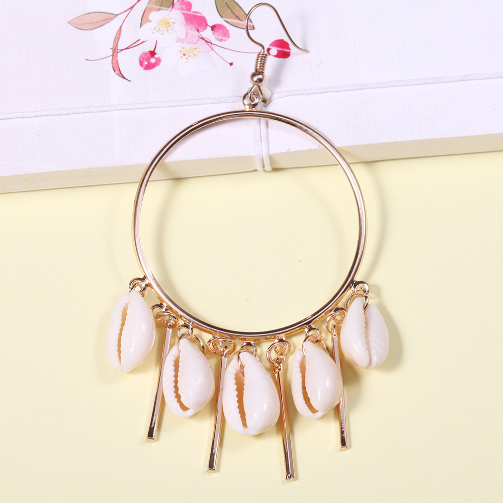 Sea Shell Charm Drop Earrings for Women Silver Gold Big Circle Natural Shell Cluster Earrings Boho Summer Beach Earring Jewelry in Drop Earrings from Jewelry Accessories
