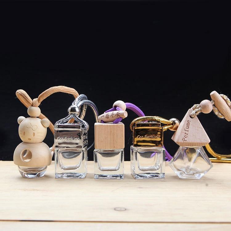 O varietate de sticle goale opționale Car de parfum pandantiv Ornamente auto Articole de interior auto