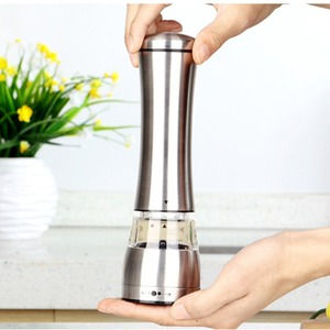 Image 3 - 2 pçs/lote Manual de Aço Inoxidável Moedor de Pimenta Moinho de Pimenta Sal de Cozinha Eco Ferramentas Moinho De Cozinha Cozinhar ferramentas de Moagem