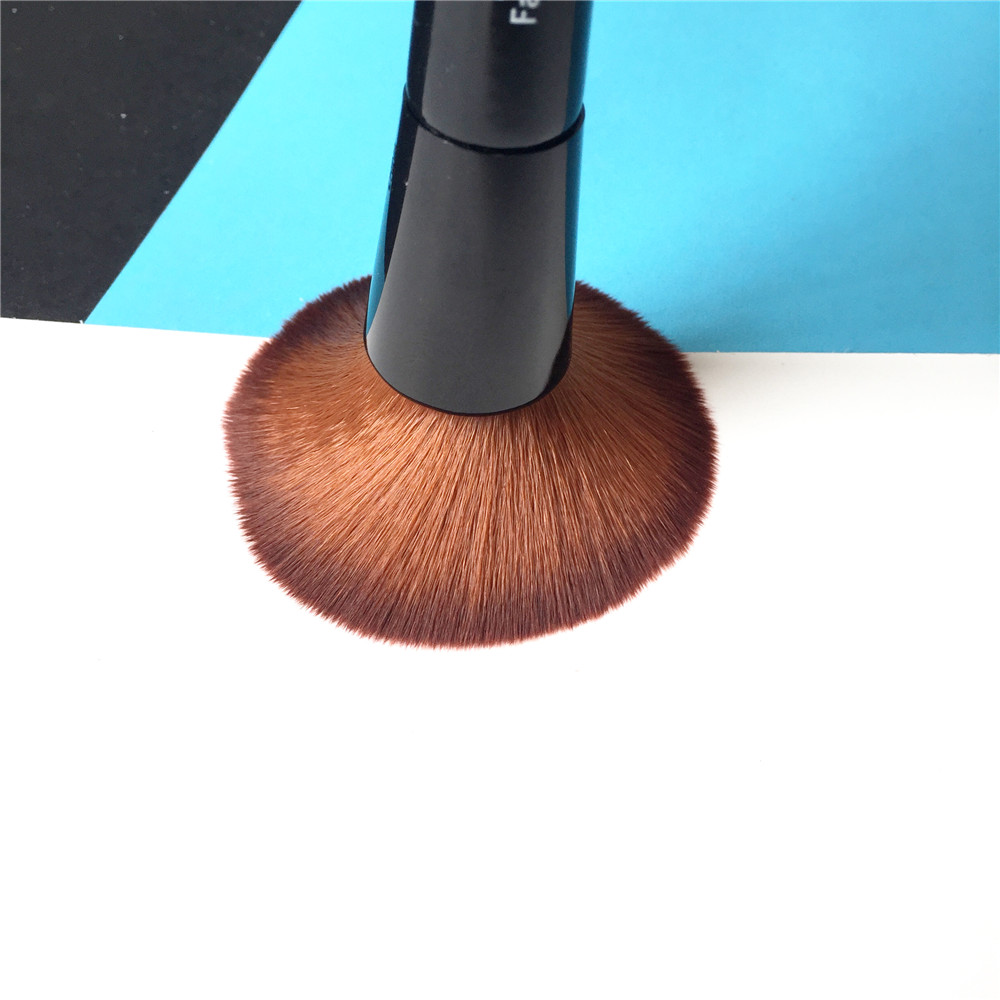 Full Coverage Face & Touch-up Brush _3