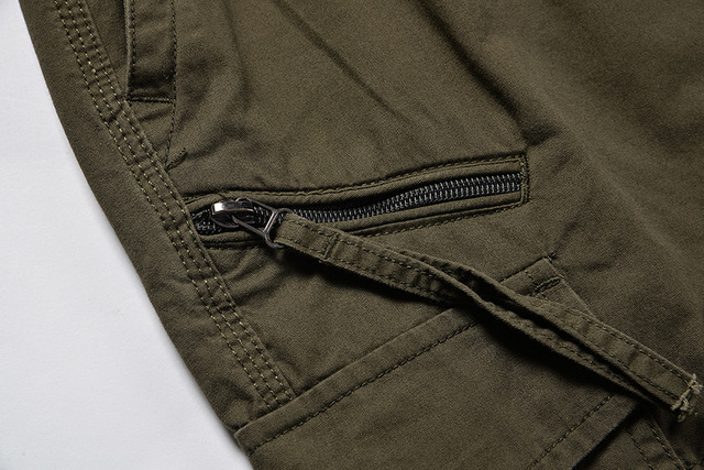 Summer Men's Baggy Multi Pocket Zipper Cargo Shorts Breeches Male Long Army Green Khaki Men Tool Work Short Bermuda Big Size 5XL