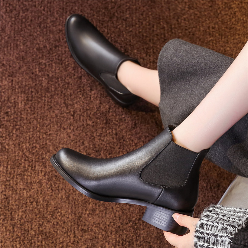 British Winter Women Chelsea Boots PU Leather Plush Round Toe Lady Short Ankle Boots Vintage Casual Black Chaussure Bottes Femme