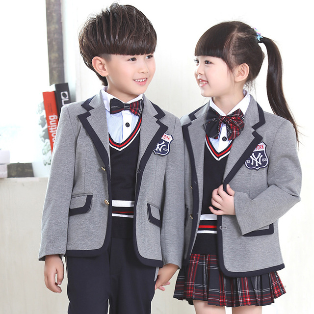 10d1992ed New England middle school students, boys and girls small suit suit uniforms  Kindergarten classes clothes clothing costumes