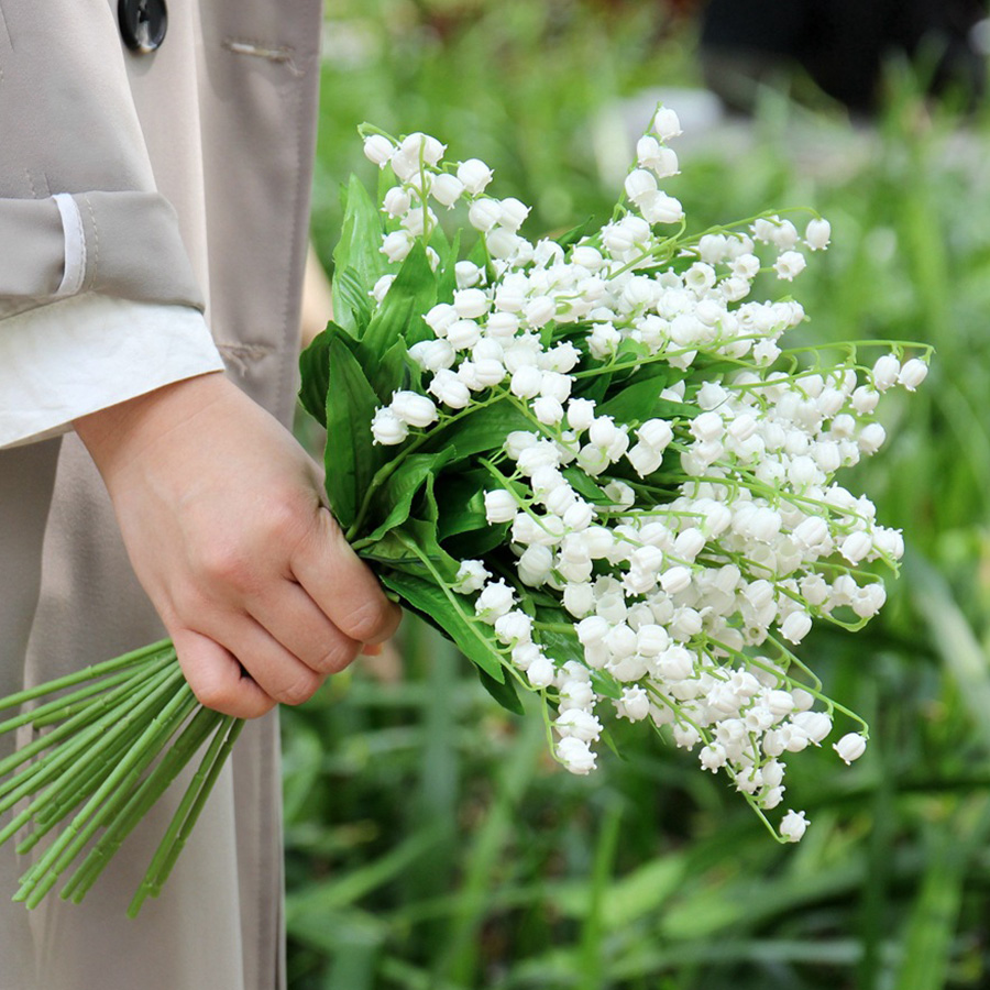 Artificial White Flowers Home Decoration Lilies Fake Mini