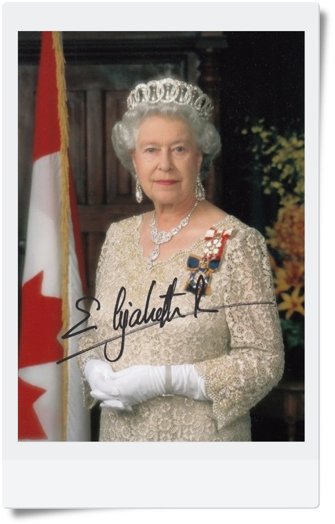 signed Her Majesty Queen Elizabeth II autographed original photo  7 inches collection freeshipping  062017 3 Versions snsd yoona autographed signed original photo 4 6 inches collection new korean freeshipping 03 2017 01