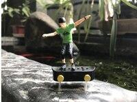 Fun mini Electric toys with mini finger skateboarding model toys for boys child gift