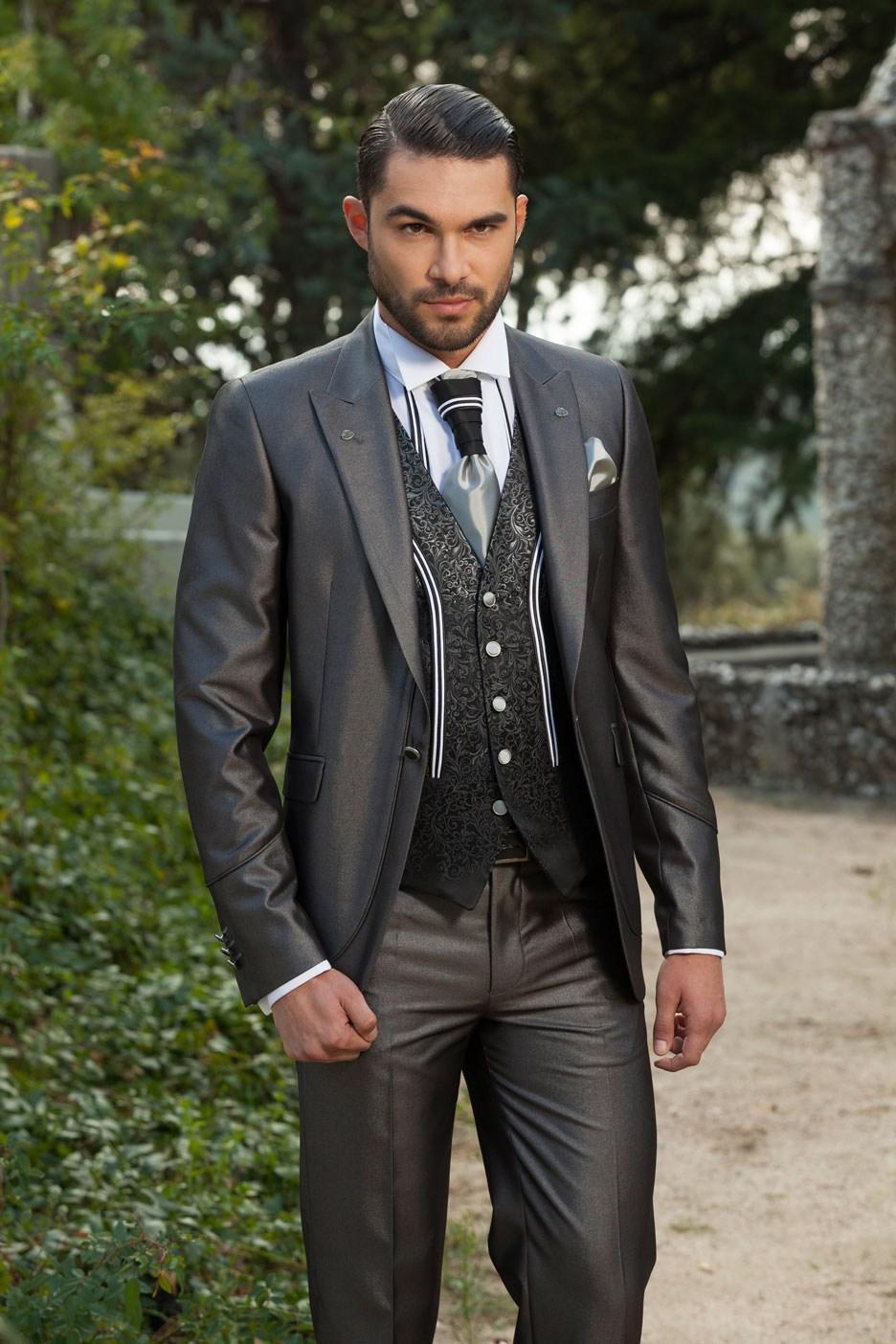 New Slim Fit Groom Tuxedos Shiny Grey Best Groomsman Wedding Suits