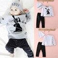 Bebé, Niña, Niño 3 UNIDS Establece Gris y Negro T-shirt Pantalones Traje Trajes Set Pijamas Chándal Juegos de Colchones