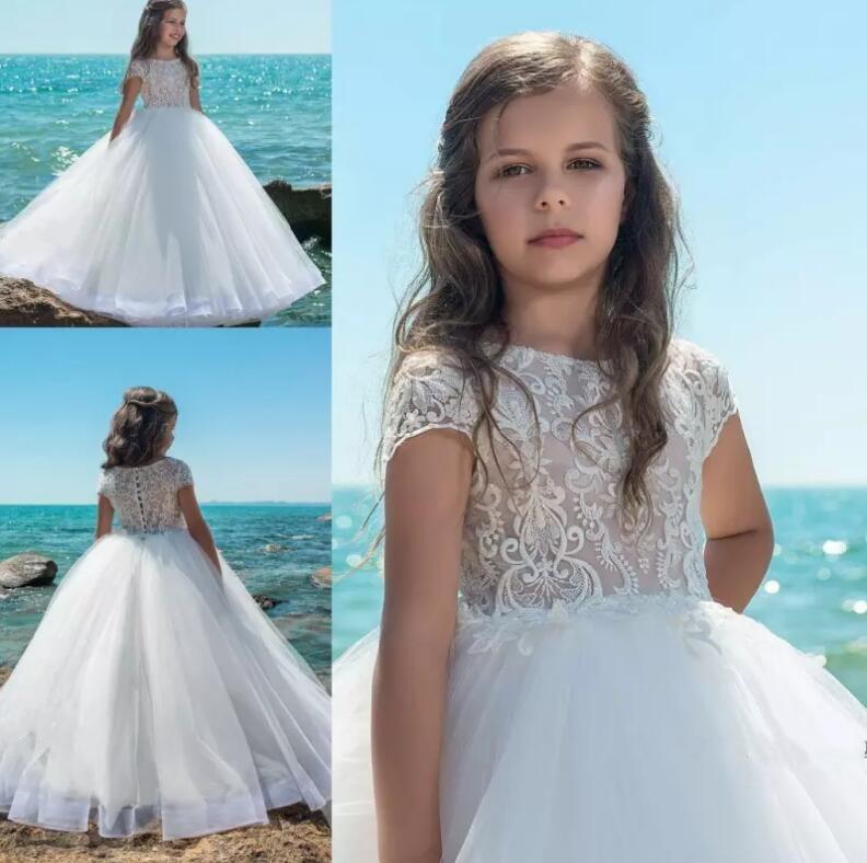 2018 Summer Beach White Lace Flower Girl Dresses Princess A Line Cap Sleeves Appliqued Kids Long Communion Gown